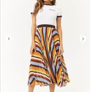 Dresses & Skirts - NWOT Gorgeous Midi Skirt Perfect for Thanksgiving